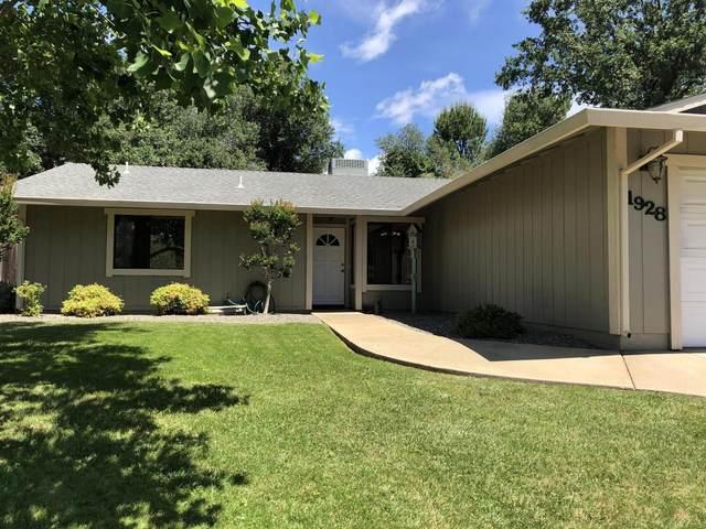 1928 Tiburon Dr, Redding, CA 96003 (#20-2530) :: Waterman Real Estate