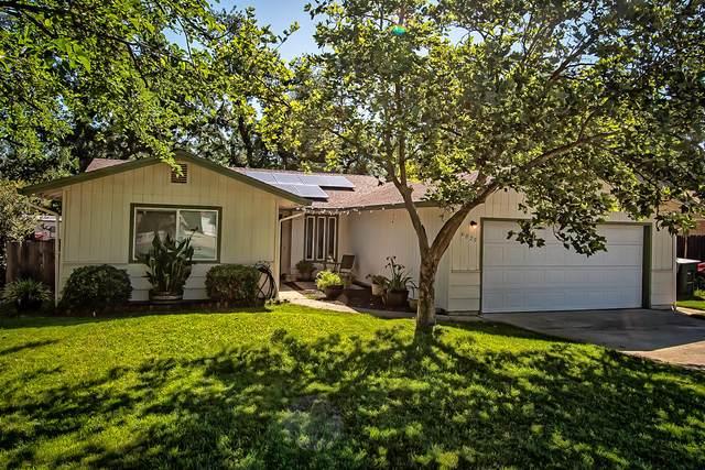 6825 Hemlock St, Redding, CA 96001 (#20-2625) :: Waterman Real Estate