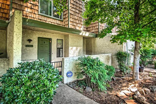 3055 Northwoods Way, Redding, CA 96002 (#20-3005) :: Real Living Real Estate Professionals, Inc.
