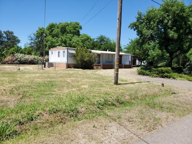 11814 Woggon Ln, Redding, CA 96003 (#20-3189) :: Wise House Realty