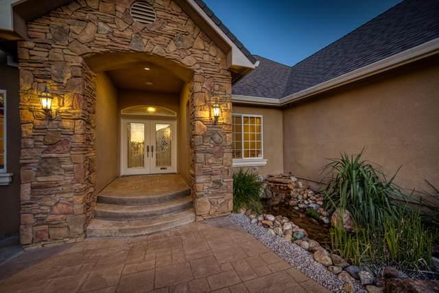 1025 Edgewater Ct, Redding, CA 96003 (#20-3216) :: Waterman Real Estate
