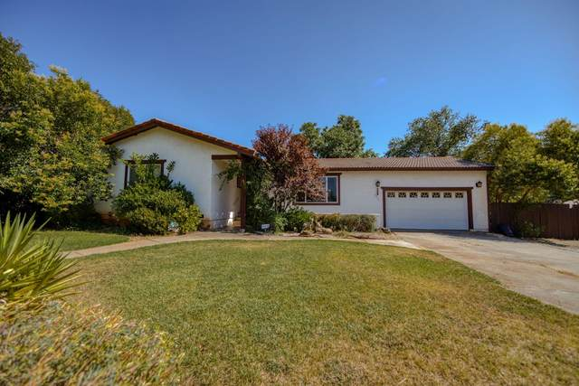 2231 Wilson Ave, Redding, CA 96002 (#20-3675) :: Real Living Real Estate Professionals, Inc.