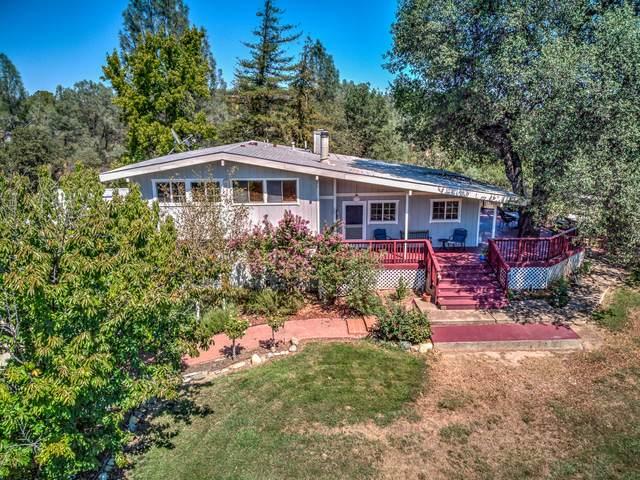 7795 Castle View Ln, Redding, CA 96001 (#20-3784) :: Waterman Real Estate