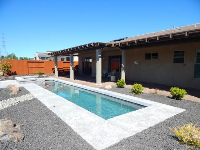 948 Katmai Pl, Redding, CA 96001 (#20-3948) :: Real Living Real Estate Professionals, Inc.