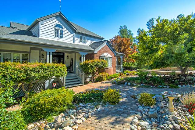 8038 Sawwood Ct, Redding, CA 96001 (#20-4484) :: Vista Real Estate