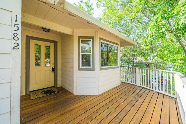 1582 Olive Ave, Redding, CA 96001 (#20-4588) :: Wise House Realty