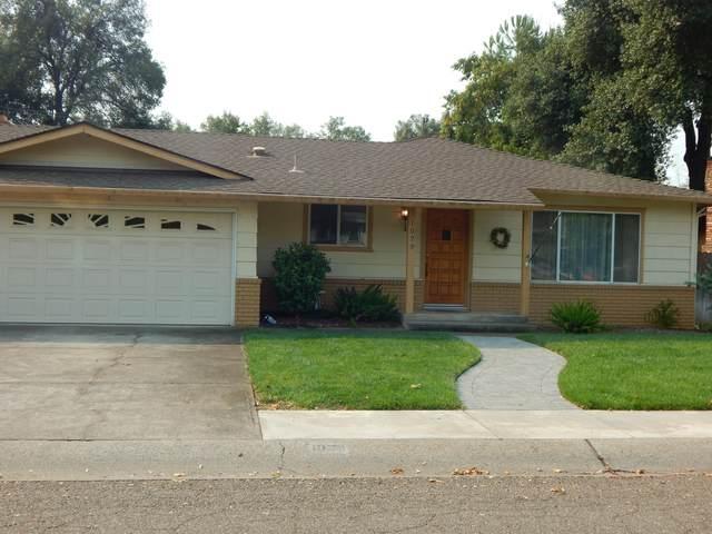 1029 Lorraine Dr, Redding, CA 96002 (#20-4628) :: Real Living Real Estate Professionals, Inc.