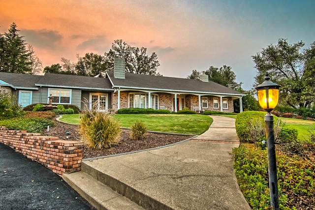 15594 Mountain Shadows Dr, Redding, CA 96001 (#20-4836) :: Wise House Realty