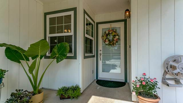 6658 Creekside St, Redding, CA 96001 (#20-4925) :: Real Living Real Estate Professionals, Inc.