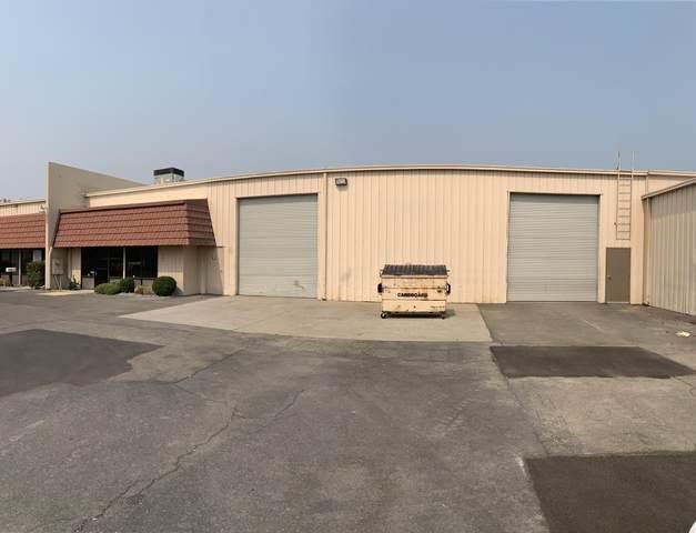 1244 Redwood Blvd, Redding, CA 96003 (#20-5109) :: Vista Real Estate