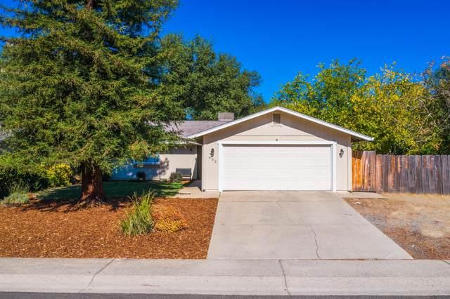 932 Oakmont Dr, Redding, CA 96003 (#20-5117) :: Vista Real Estate