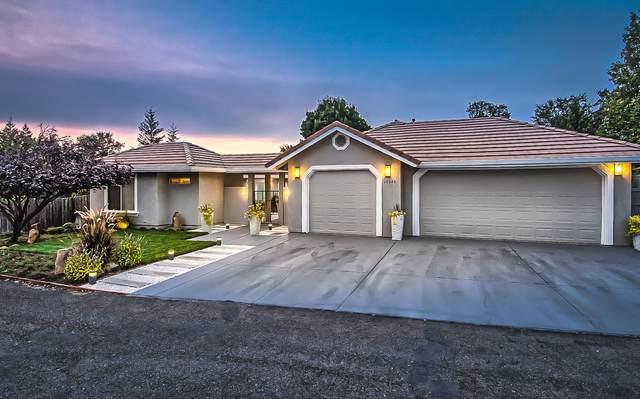 19340 Carnegie Ct, Redding, CA 96003 (#20-5123) :: Vista Real Estate