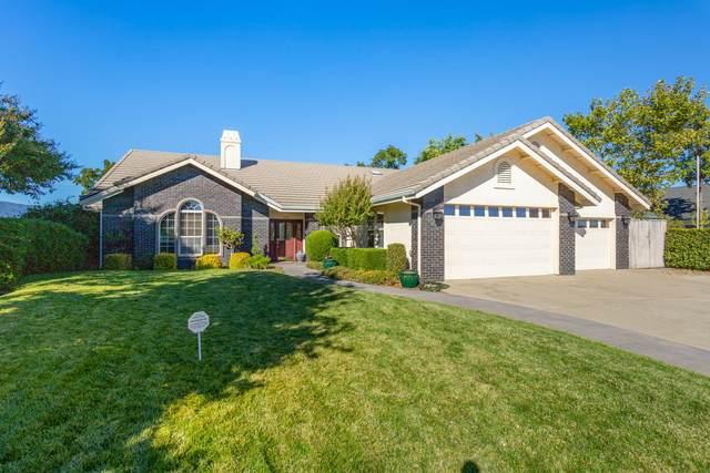 365 River Park Dr, Redding, CA 96003 (#20-5169) :: Vista Real Estate