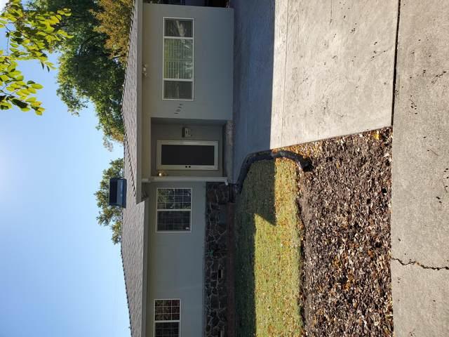 1035 Gold St, Redding, CA 96001 (#20-5170) :: Real Living Real Estate Professionals, Inc.
