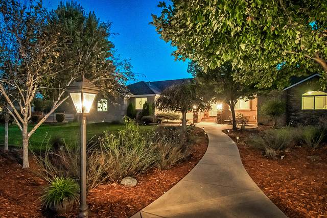 21075 Falling Leaf Rd, Redding, CA 96003 (#20-5180) :: Wise House Realty