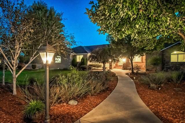 21075 Falling Leaf Rd, Redding, CA 96003 (#20-5180) :: Vista Real Estate