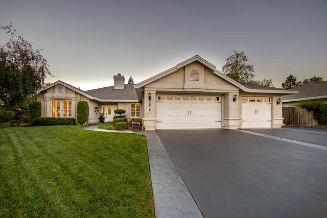 2332 Dartmouth Dr, Redding, CA 96001 (#20-5214) :: Wise House Realty