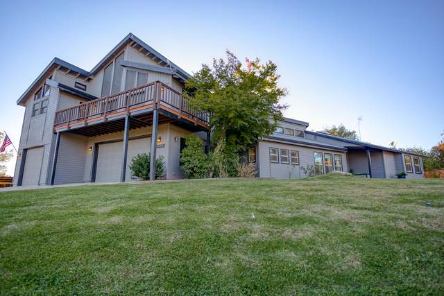 15945 Frontiersman Dr, Redding, CA 96001 (#20-5269) :: Waterman Real Estate