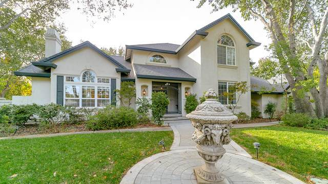 4260 Vista Oaks Ct, Redding, CA 96002 (#20-5599) :: Real Living Real Estate Professionals, Inc.