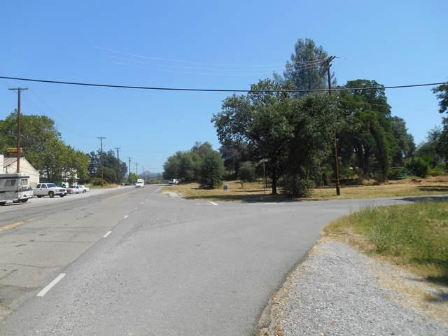 1861 Cascade, Shasta Lake, CA 96019 (#20-5627) :: Real Living Real Estate Professionals, Inc.
