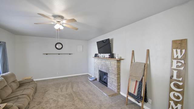 2333 Knobcone Ave, Anderson, CA 96007 (#20-5638) :: Real Living Real Estate Professionals, Inc.