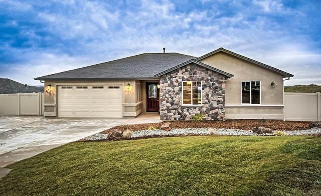 1390 Bonhurst Dr, Redding, CA 96003 (#20-5718) :: Real Living Real Estate Professionals, Inc.