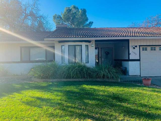 1506 Casa Vereda Way, Redding, CA 96003 (#20-5740) :: Wise House Realty