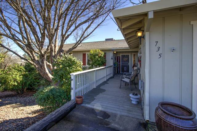 735 Cascade Ct, Redding, CA 96001 (#20-664) :: Wise House Realty