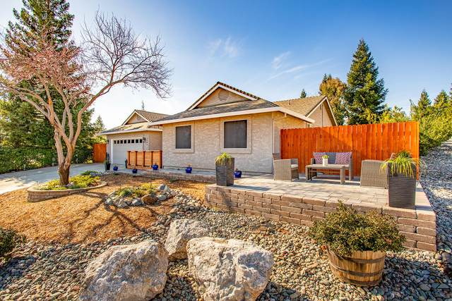 3004 Wandsworth Dr, Shasta Lake, CA 96019 (#20-866) :: Wise House Realty