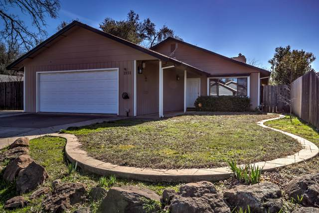 1931 Carleton St, Redding, CA 96002 (#20-893) :: Waterman Real Estate