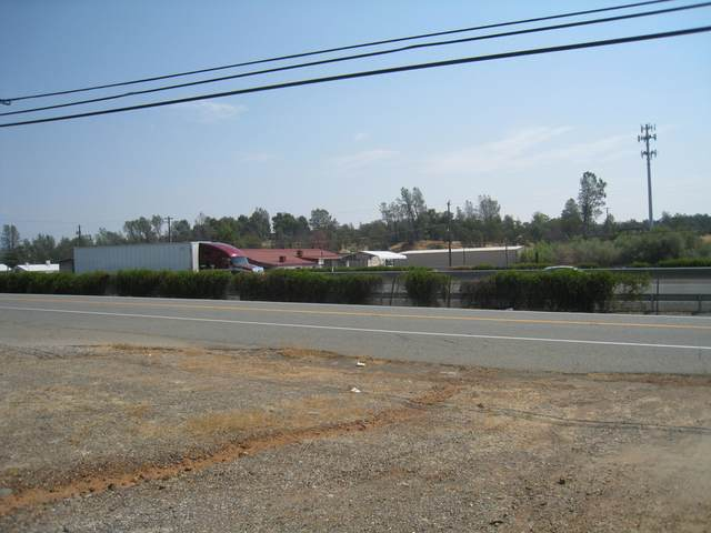 3250 Cascade Blvd, Shasta Lake, CA 96019 (#21-1) :: Real Living Real Estate Professionals, Inc.