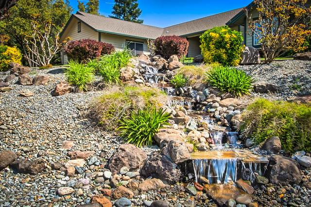 19060 Hollow Ln, Redding, CA 96003 (#21-1526) :: Wise House Realty