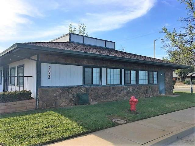 3655 Meadow View Dr, Redding, CA 96002 (#21-1568) :: Coldwell Banker C&C Properties