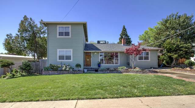 2254 Crestview Ave, Redding, CA 96001 (#21-1587) :: Wise House Realty