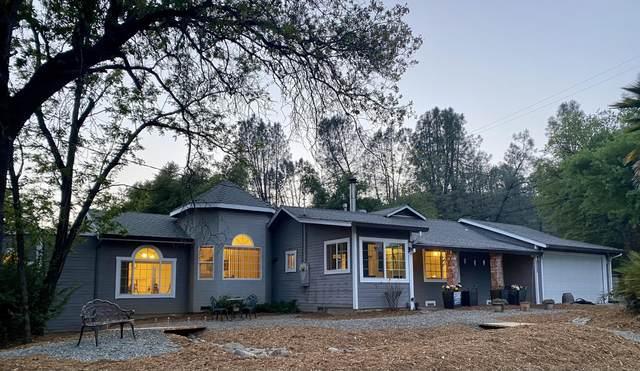 12572 Williamson, Redding, CA 96003 (#21-1632) :: Waterman Real Estate