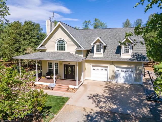 13688 Hilford Ln, Redding, CA 96003 (#21-1670) :: Vista Real Estate