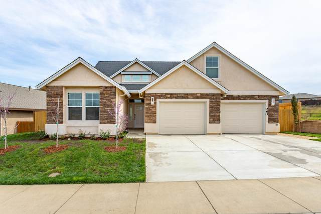 263 Mill Valley Pkwy, Redding, CA 96003 (#21-1678) :: Vista Real Estate