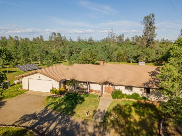 12175 Carol Ann Ln, Redding, CA 96003 (#21-1711) :: Vista Real Estate