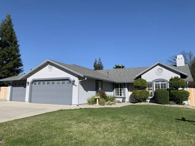 3985 Meadow Oak Way, Redding, CA 96002 (#21-1730) :: Vista Real Estate