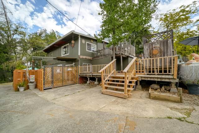 11103 Wingfield Ln, Shasta, CA 96087 (#21-1793) :: Real Living Real Estate Professionals, Inc.