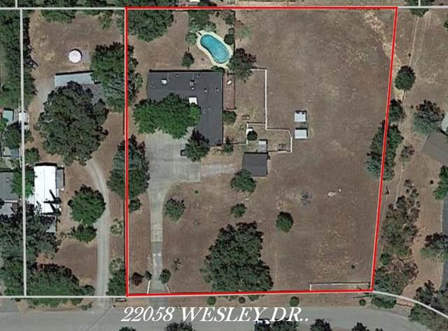 22058 Wesley Dr, Palo Cedro, CA 96073 (#21-1990) :: Vista Real Estate