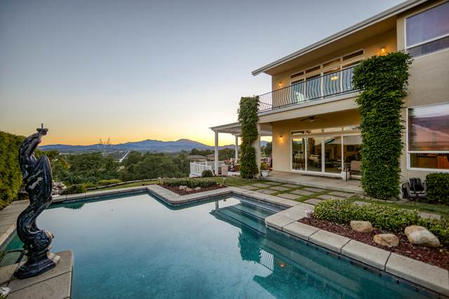 824 River Bend Rd, Redding, CA 96003 (#21-1996) :: Wise House Realty
