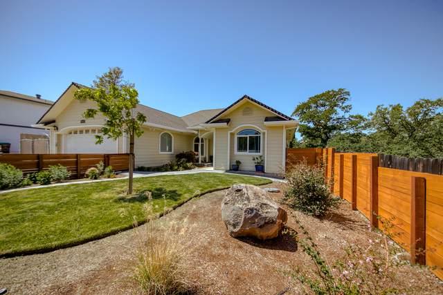 19539 Wildwood Pl, Cottonwood, CA 96022 (#21-2056) :: Wise House Realty