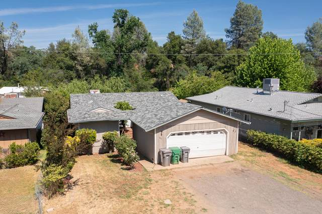 1833 Oregon St, Shasta Lake, CA 96019 (#21-2070) :: Real Living Real Estate Professionals, Inc.