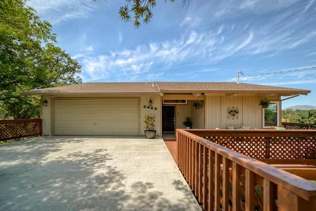 3400 Hillcrest St, Redding, CA 96001 (#21-2127) :: Vista Real Estate