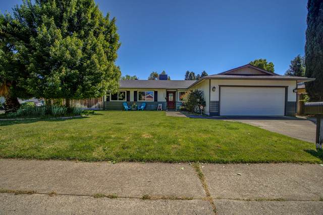 3025 Dove St, Redding, CA 96001 (#21-2135) :: Real Living Real Estate Professionals, Inc.