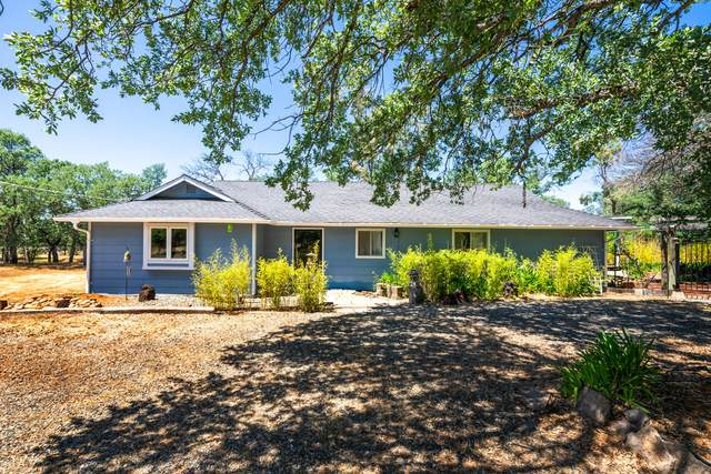 21451 Kirkwood Manor Dr, Redding, CA 96002 (#21-2271) :: Coldwell Banker C&C Properties