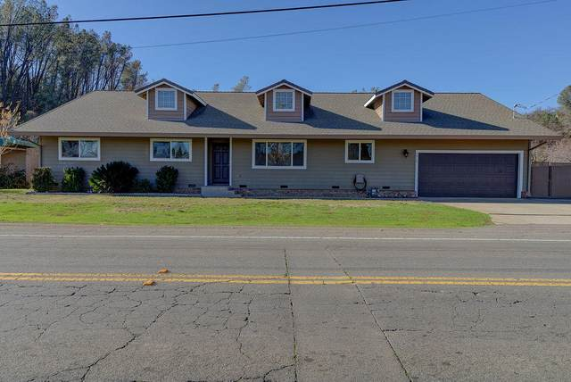 4912 Cedars Rd, Redding, CA 96001 (#21-229) :: Wise House Realty