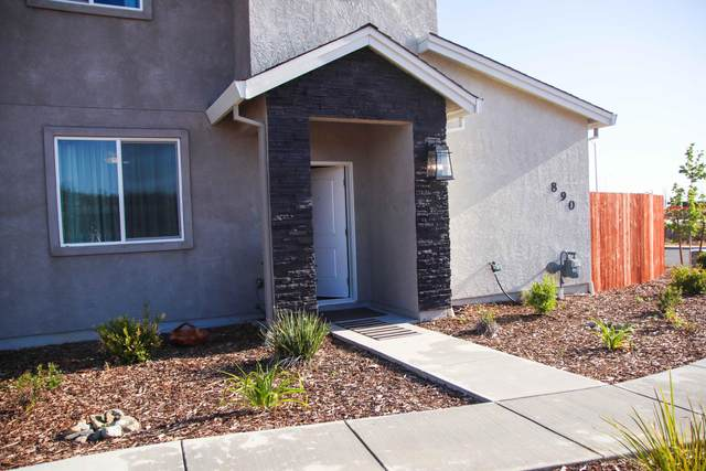 890 Congaree Ln, Redding, CA 96001 (#21-2311) :: Wise House Realty