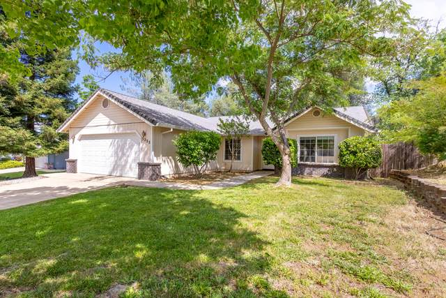 3235 Sioux Dr, Shasta Lake, CA 96019 (#21-2384) :: Real Living Real Estate Professionals, Inc.